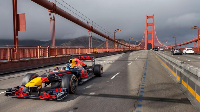 ROAD-TRIP-USA-WITH-RED-BULL-RACING