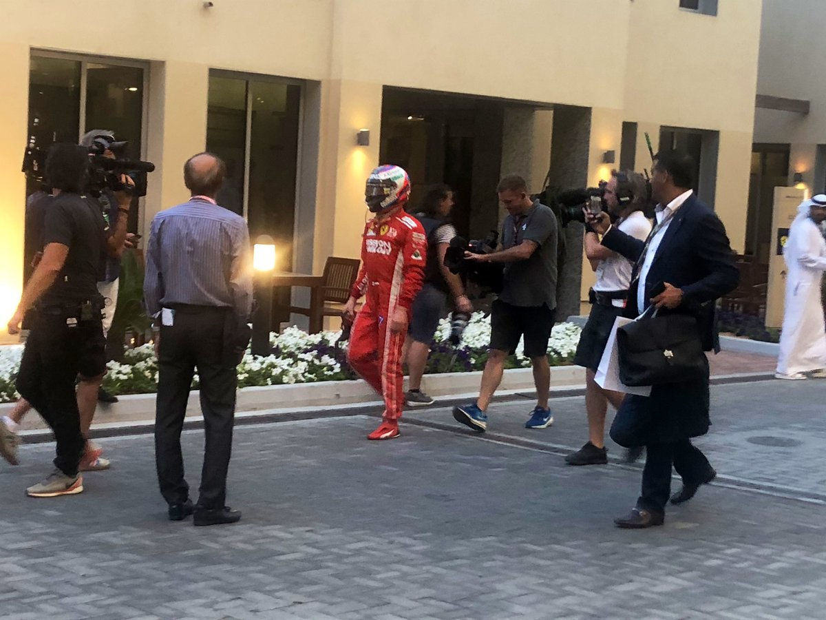 kimi-raikkonen-abu-dhabi-out-of-race