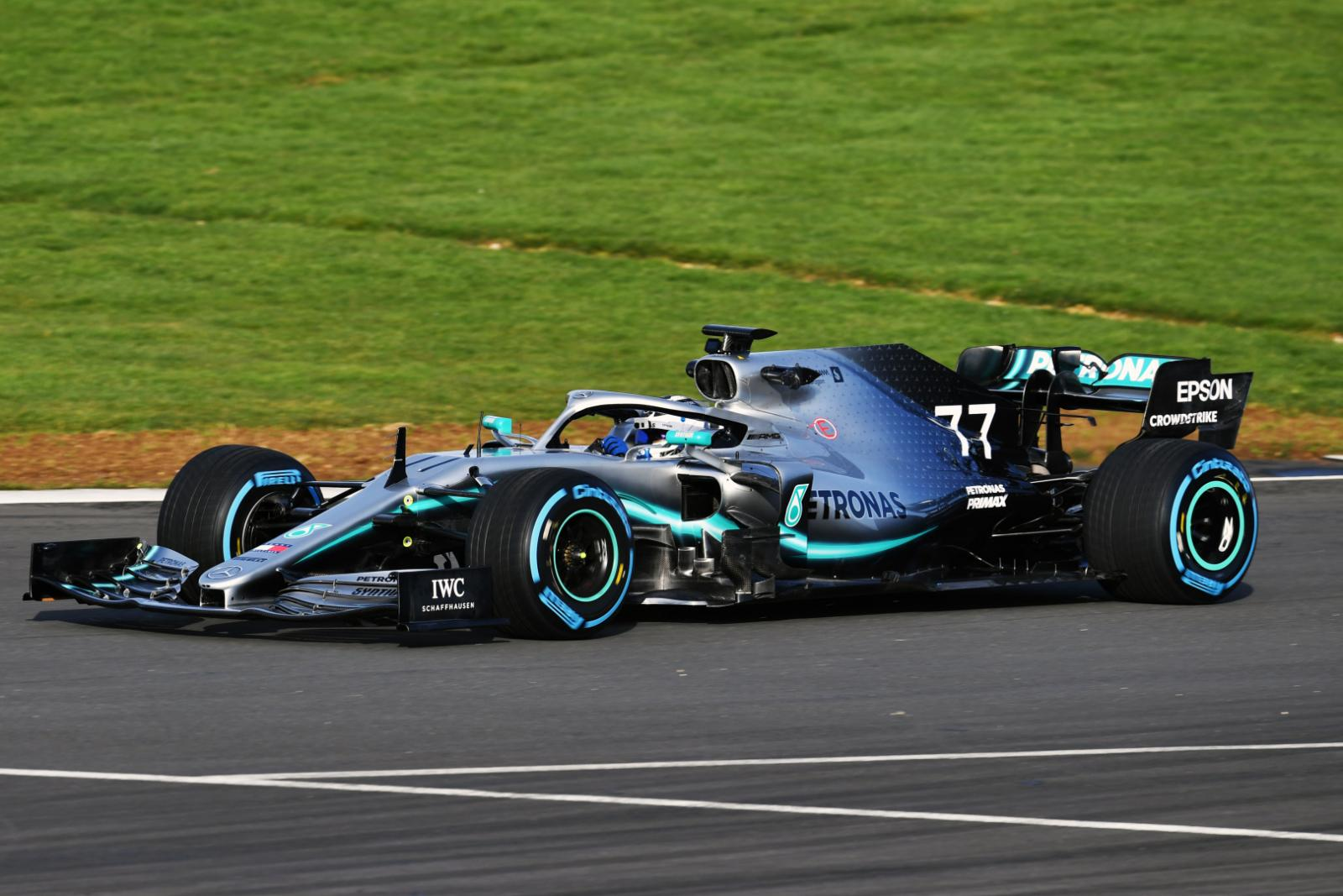 mercedes-2019-f1-car-on-track