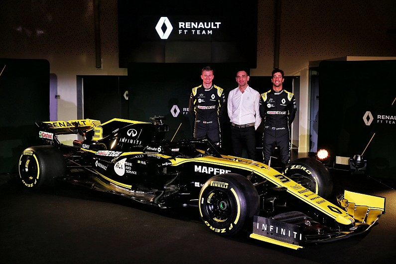 renault-formula1-car-launch