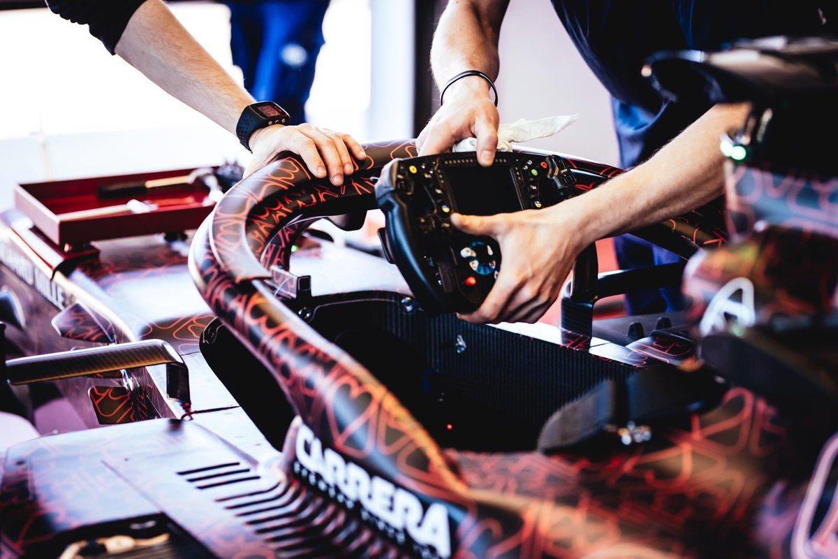 2019-formula-1-steering-wheel-raikkonen