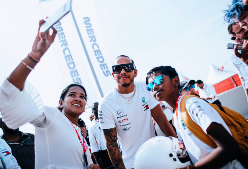 lewis-hamilton-new-photo-today